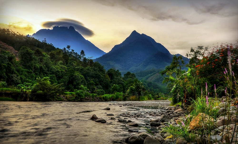 Borneo Landscape | Borneo Group Tour | Erne Travel